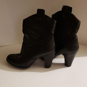 Born genuine leather booties size 9